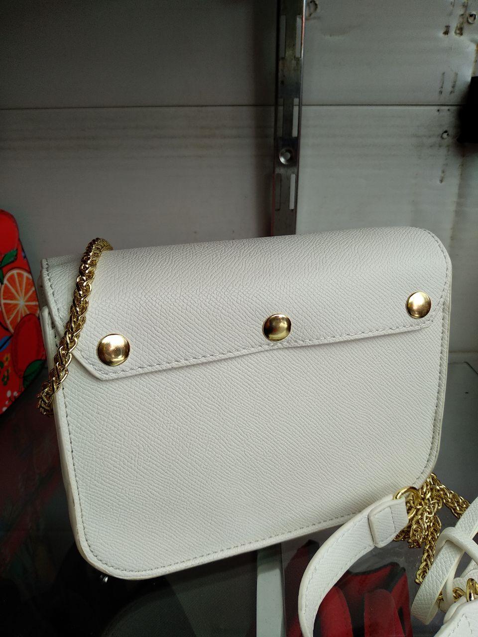 6dee14d73502 Белая кожаная сумка клатч в стиле Furla metropolis золотая фурнитура, цена  1 150 грн., купить в Киеве — Prom.ua (ID#814402967)