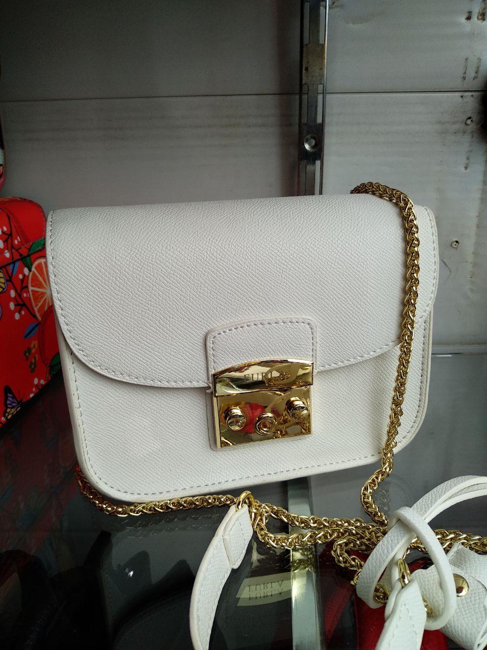 192165d4bea3 Белая Кожаная Сумка Клатч в Стиле Furla Metropolis Золотая Фурнитура ...