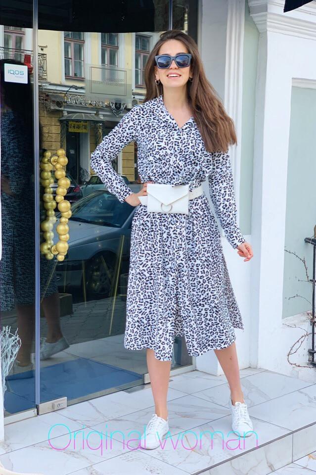Леопардовое платье-рубашка ниже колен