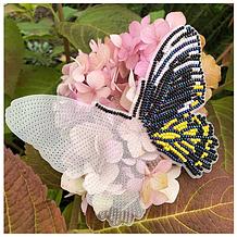 Бабочки из бисера на пластиковой основе