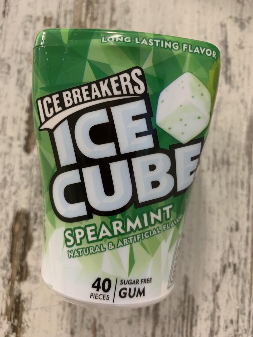 "Жвачка без сахара ICE BREAKERS Ice Cubes ""Класическая мята"""