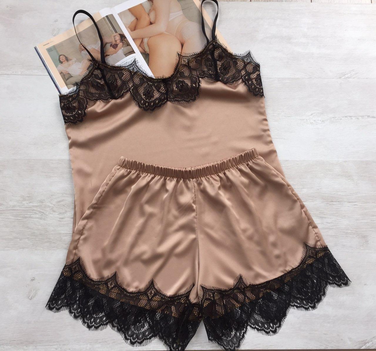 Женская шелковая пижама майка и шорты бежевый 03