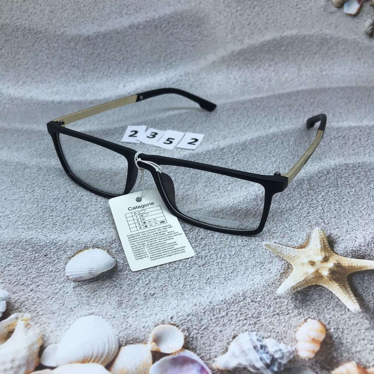 Модные  квадратные имиджевые очки  в черной оправе