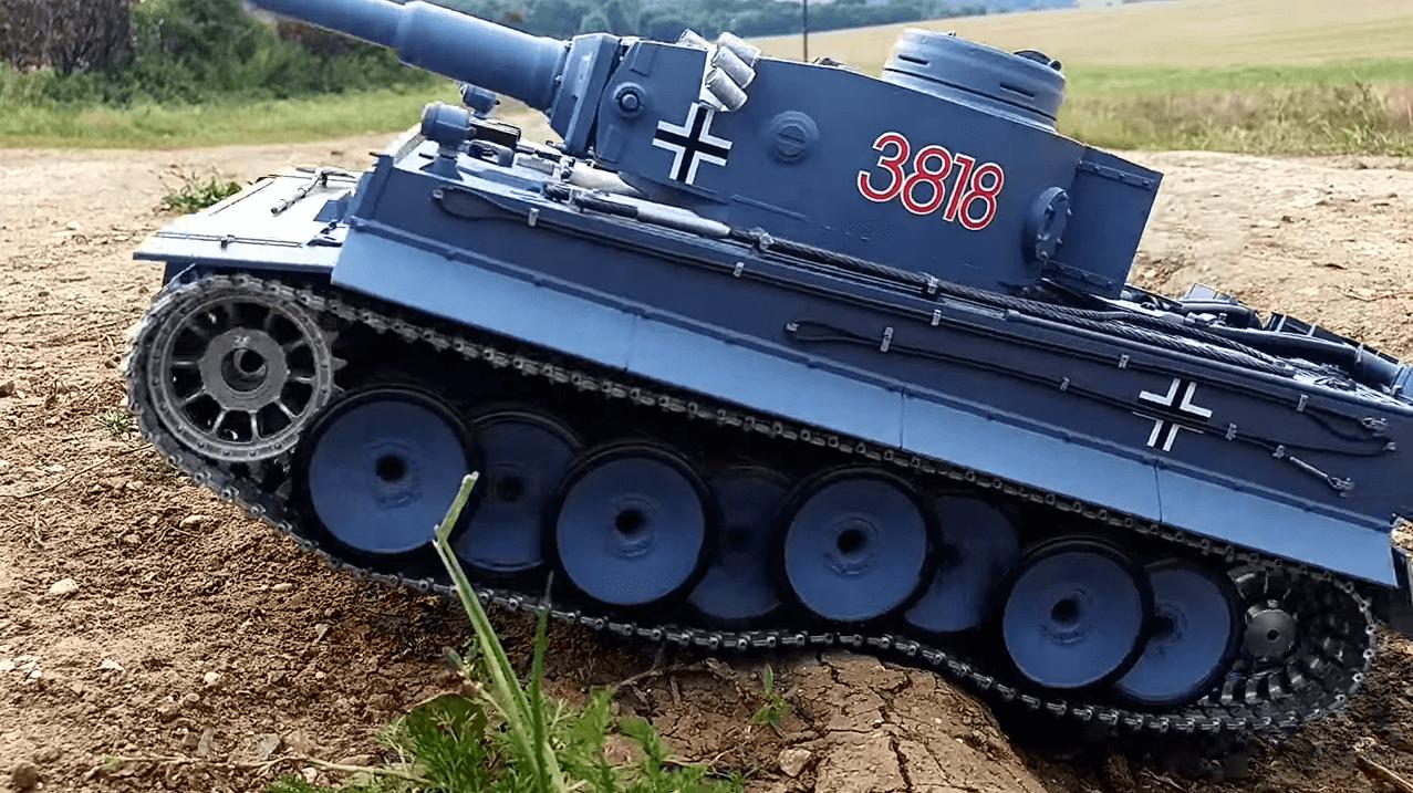 Танк на р/у Тигр I (Tiger I) Heng Long с пневмопушкой и дымовым эффектом (HL3818-1) 1:16