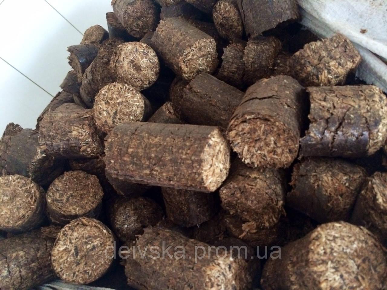 Паливні брикети з деревини (в мішках по 30 кг), ціна за 0,99 т