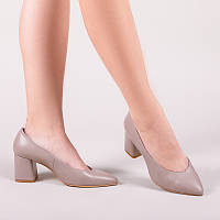 Женские туфли из натуральной кожи на среднем каблуке.