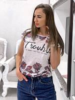 Женская стильная футболка с принтами