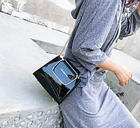 Модная глянцевая сумка сундучок с металлическими ручками