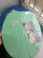 Крышка на унитаз пластиковая Ракушка (цвета разные)