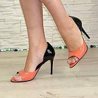Женские лаковые босоножки на шпильке, цвет оранжевый/черный. В наличии 40 размер