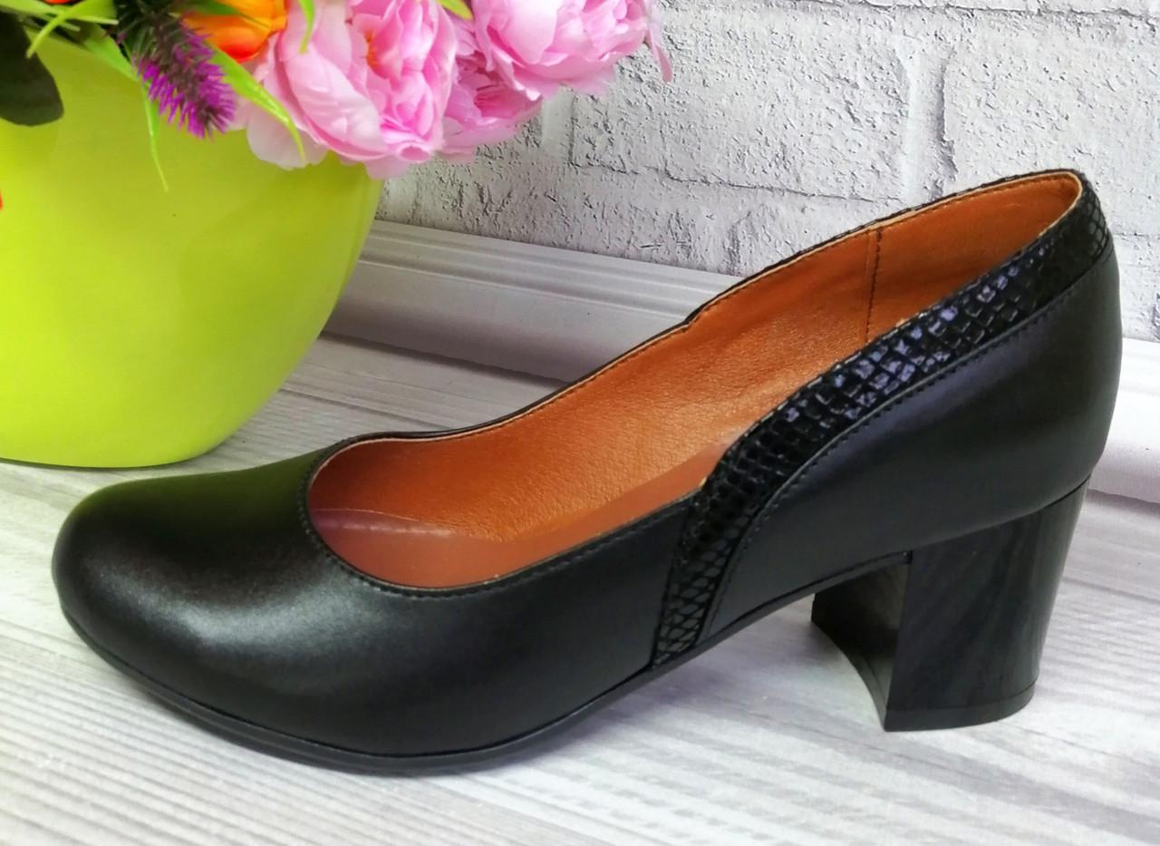 Женские туфли на лаковом каблуке