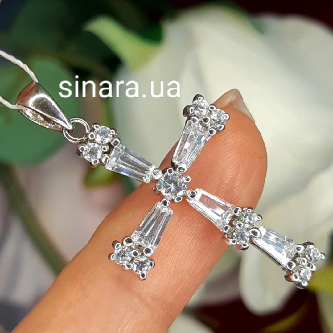 Серебряный крестик с фианитами - Женский серебряный крестик с камушками родированный