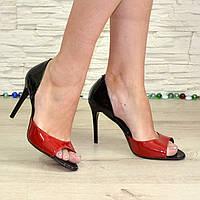 Женские лаковые босоножки на шпильке, цвет красный/черный. В наличии 36-40 размеры
