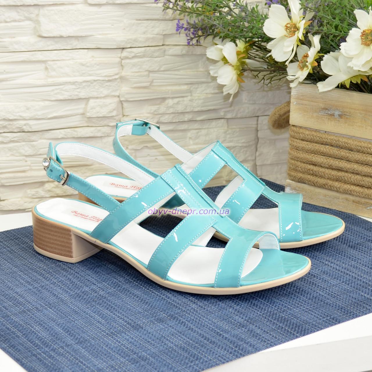 Босоножки женские лаковые на маленьком каблуке, цвет мята