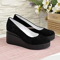 Женские замшевые туфли на устойчивой платформе, цвет черный, фото 1