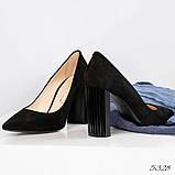 Эксклюзивные, шикарные черные туфли из итальянской замши на геометрическом каблуке, фото 3
