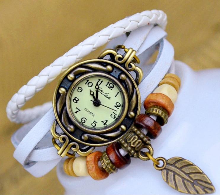 Женские часы, наручные, с браслетом, в винтажном стиле, цвет - белый