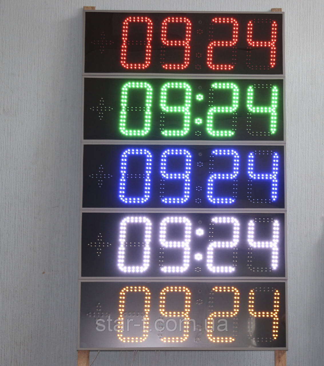 Светодиодные яркие часы-термометр-календарь.