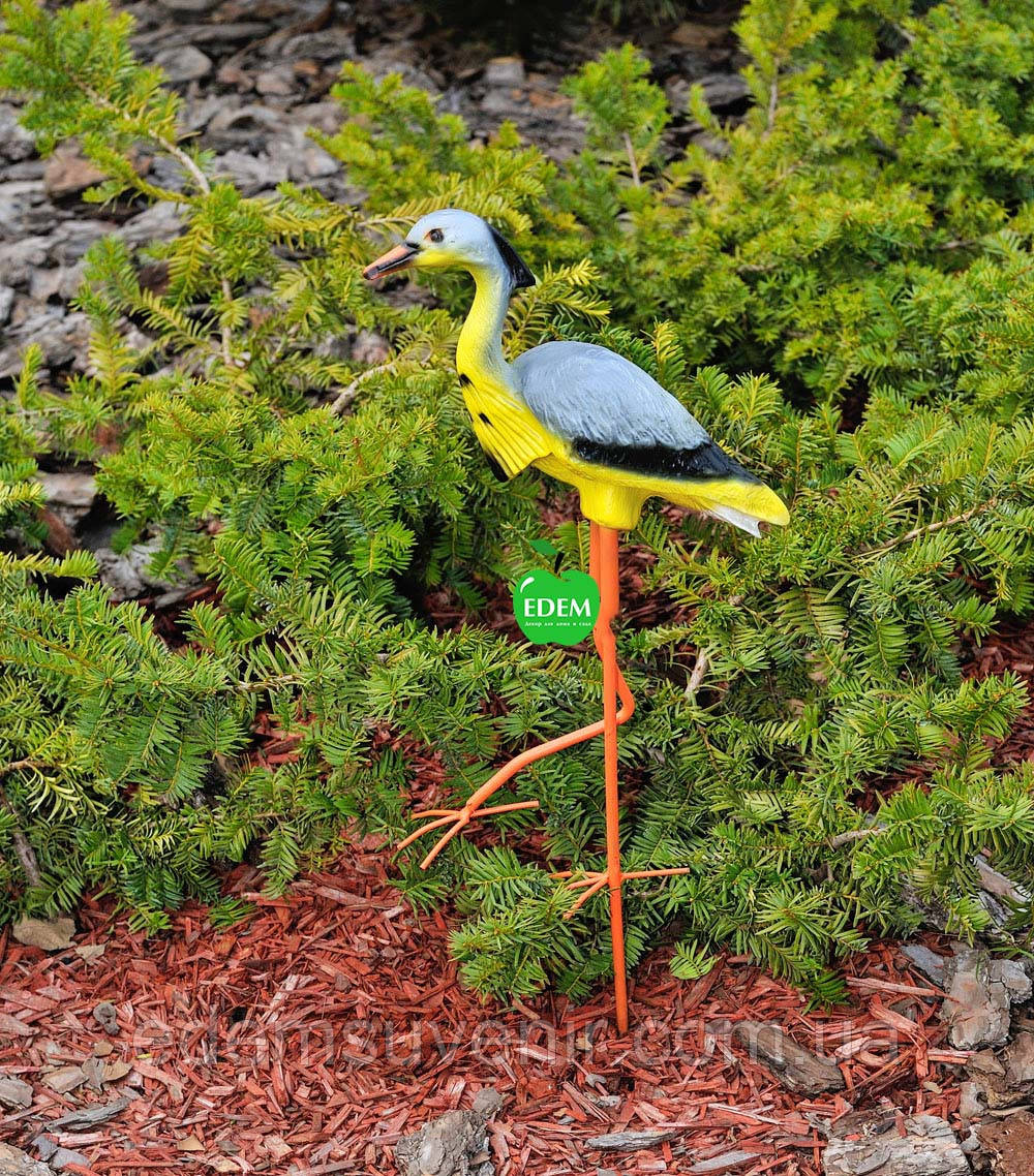 Садовая фигура Цапля на металлических лапах малая