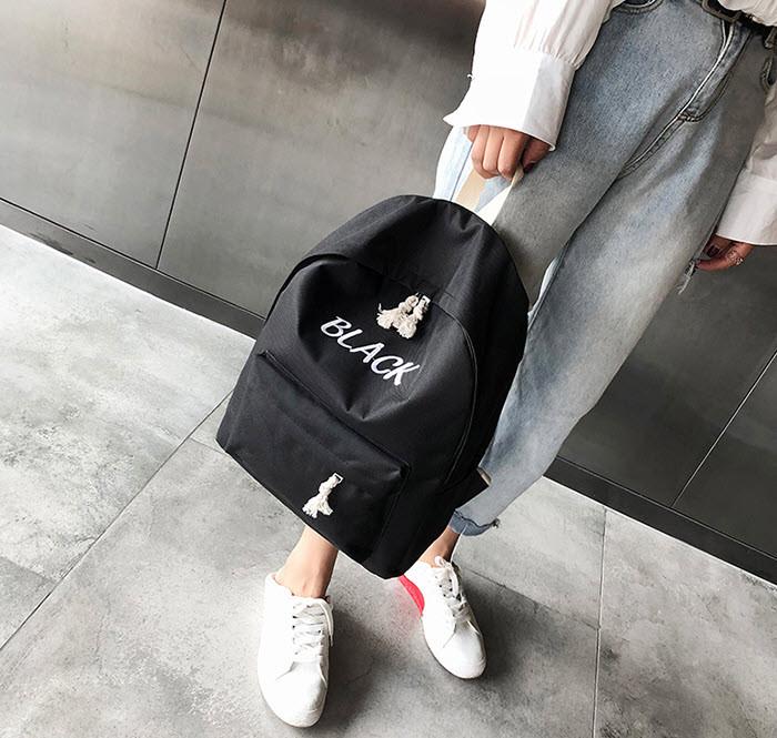 Стильные тканевые рюкзаки с вышивкой цвета