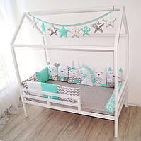 Кроватка домик с перилами