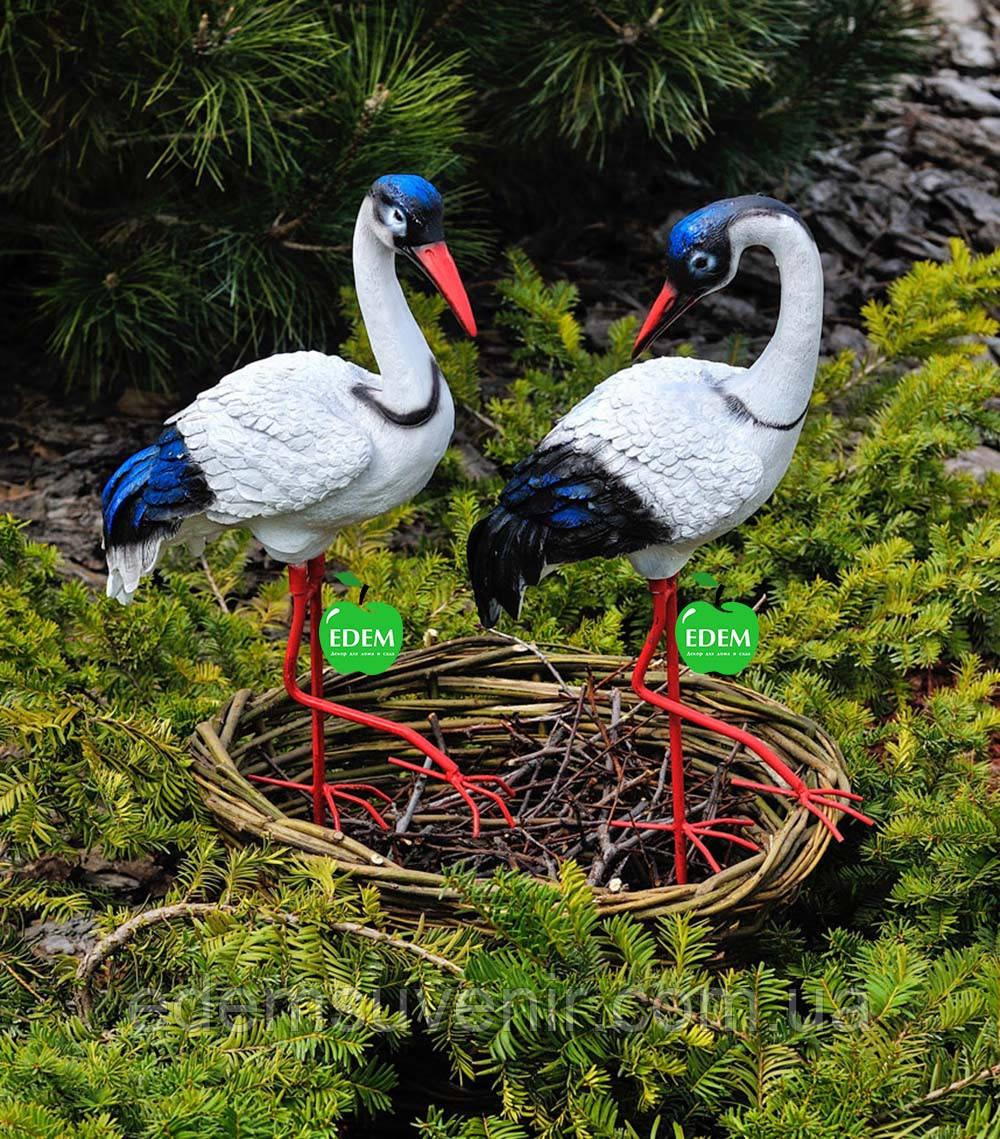 Садовая фигура Журавлик и Журавушка в гнезде на металлических лапах