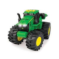 Трактор Monster Treads со светом и звуком John Deere Tomy (46656)