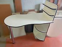 Маникюрный стол двухцветный  с фигурной столешницей. Стол для маникюра раскладной с полками для лаков.
