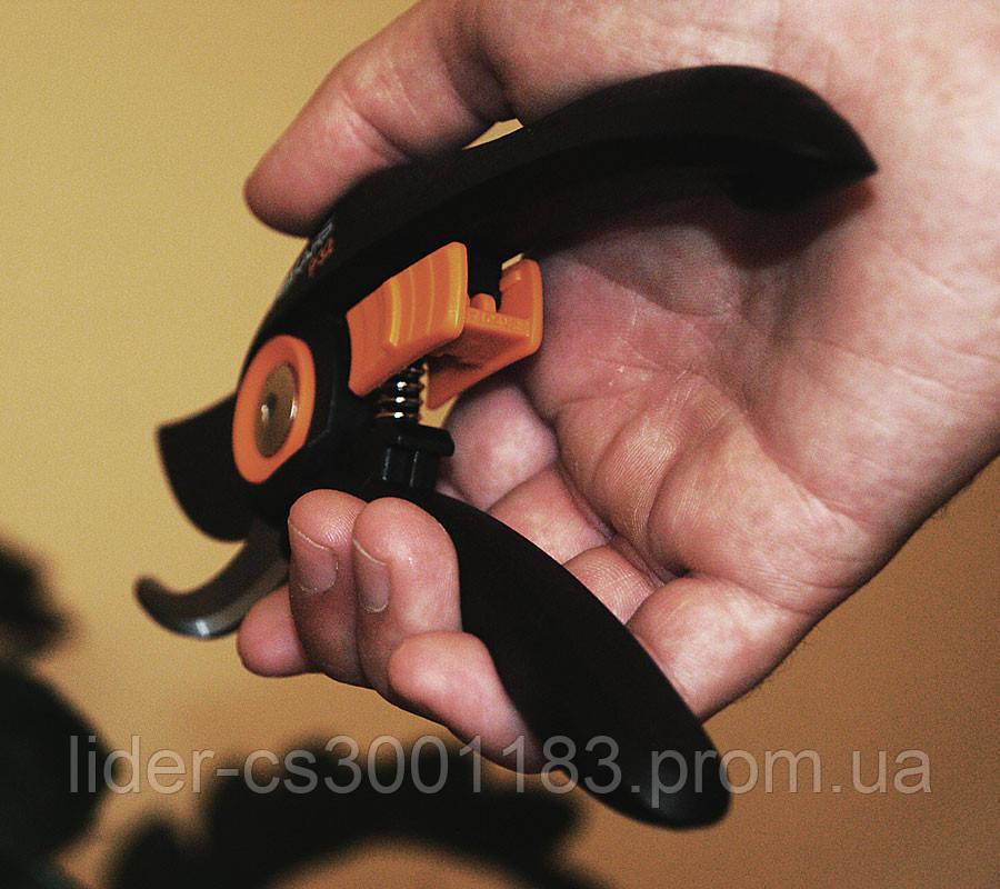 Плоскостной секатор Fiskars SOLID™ (111180)