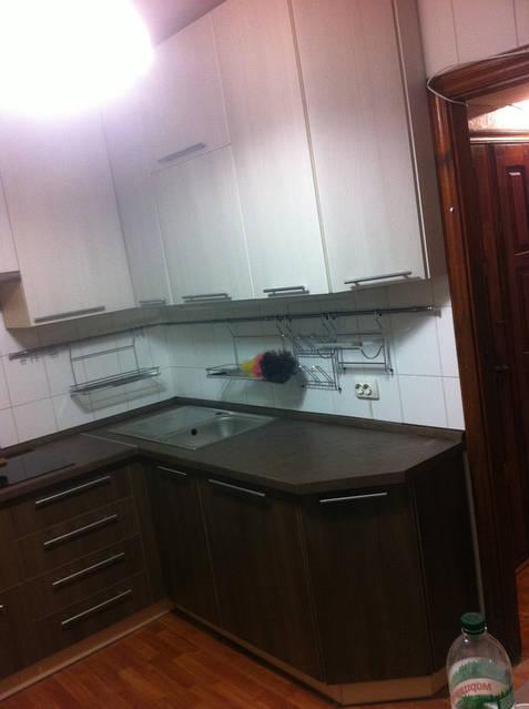 Кухня с доводчиками 52
