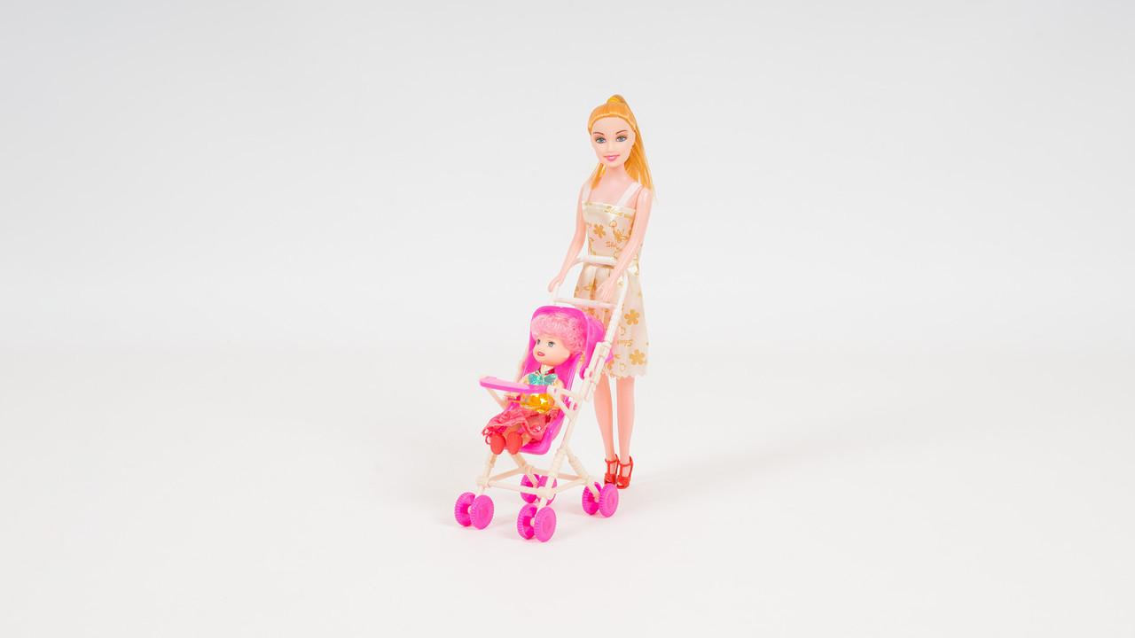 Лялька з коляскою і донькою. Мікс видів