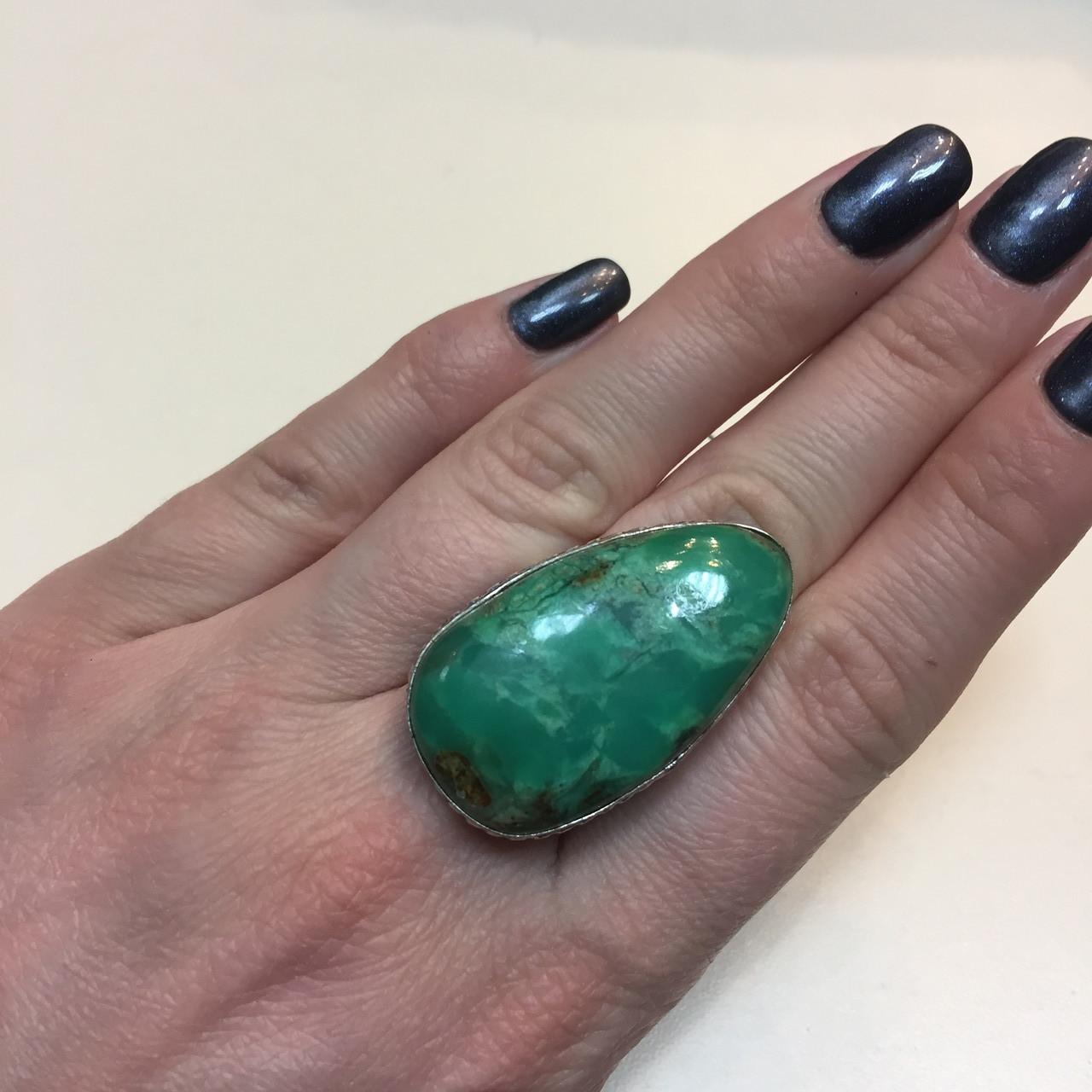 Хризопраз красивое кольцо капля природный хризопраз в серебре. Кольцо с  хризопразом 19 размер Индия!
