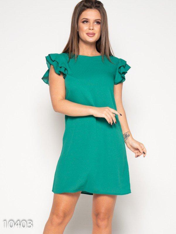 Зеленое мини платье с рюшами на рукавах