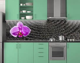Кухонный фартук Фиолетовая орхидея на черном писке ПВХ 62х205 см (под заказ любой размер), фото 3