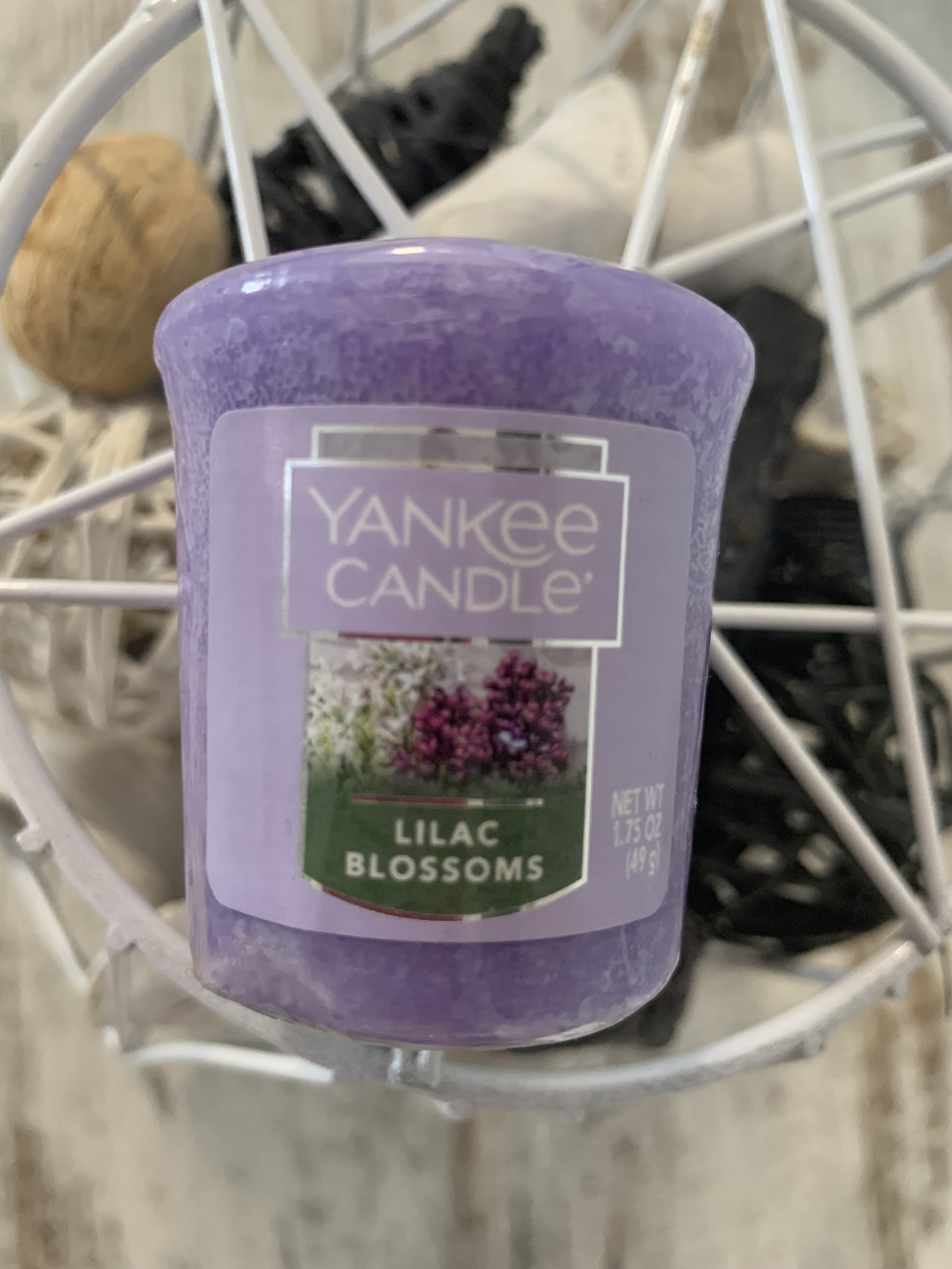"Свеча ""Цветущая сирень"" Yankee Candle"