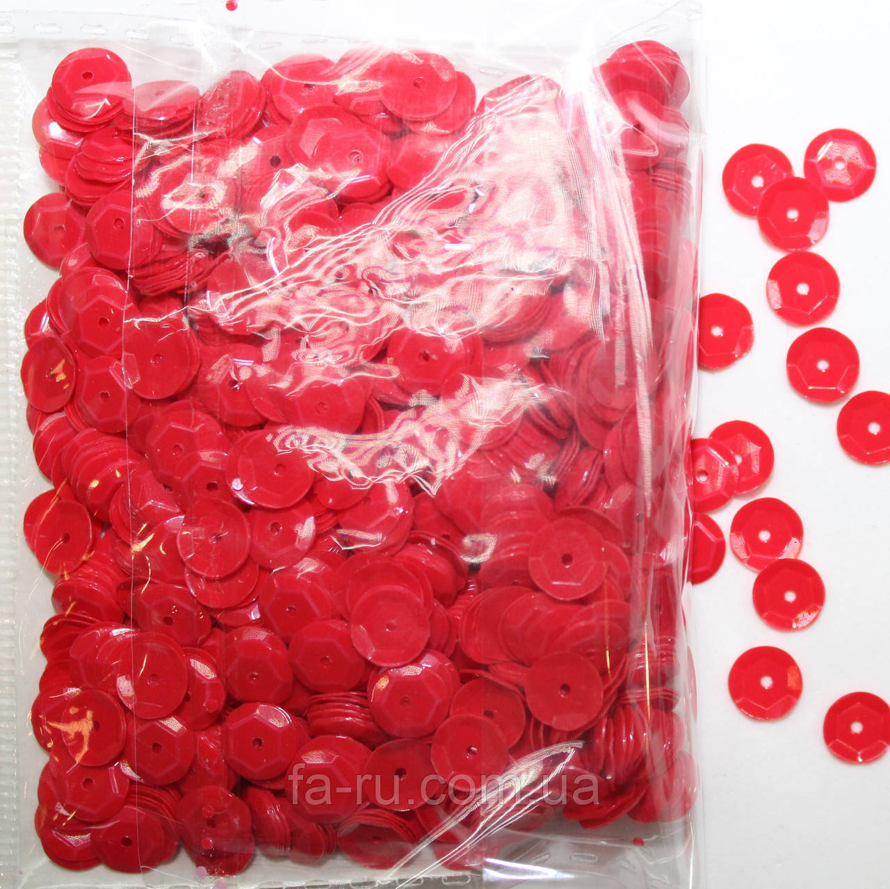 Пайетки круглые. Цвет - красный (тиснение), Ø - 6 мм, уп/20 грамм. №82