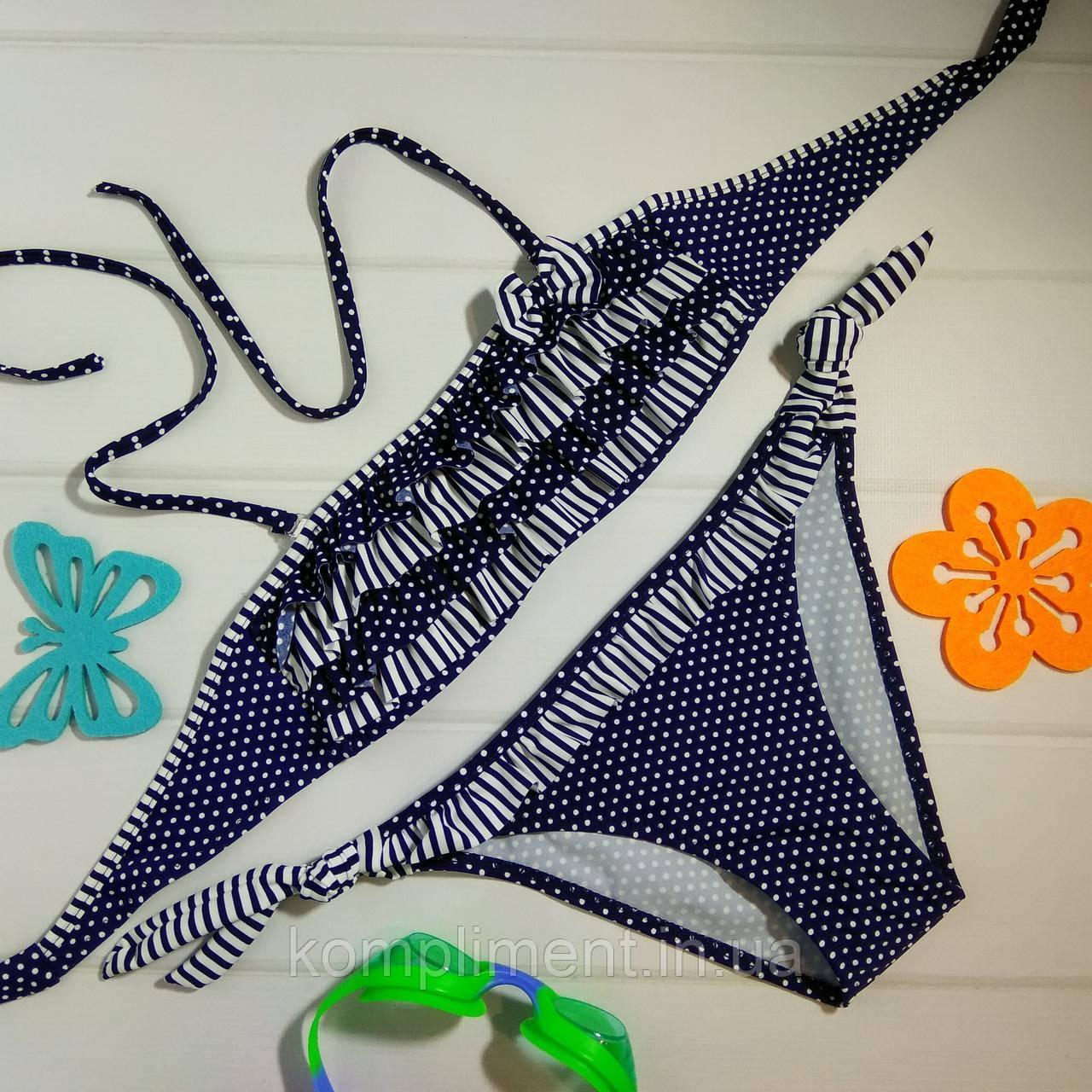 Яркий модный детский купальник с рюшами в горошек, темно синий