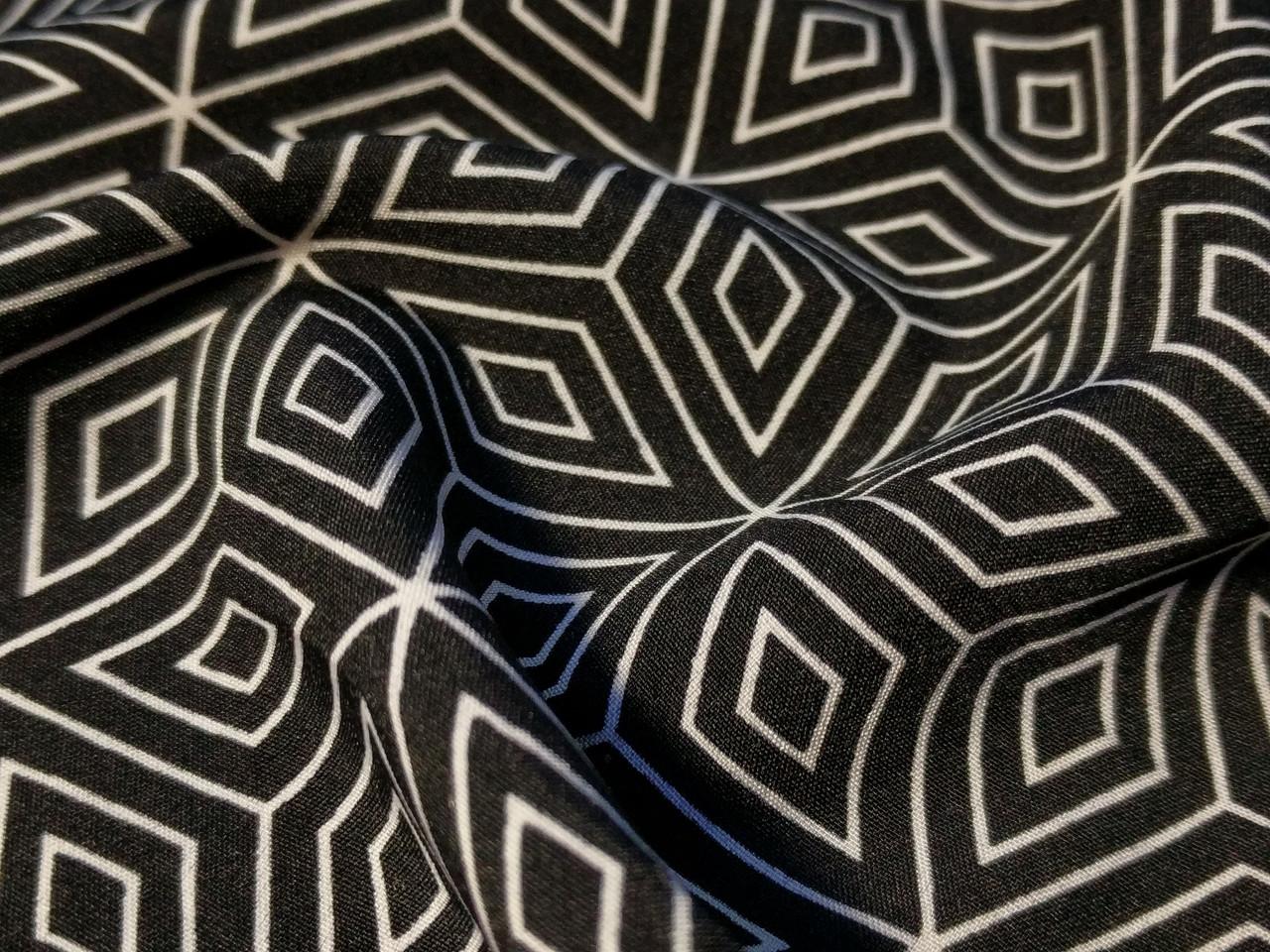 Вискоза софт геометрия, черный