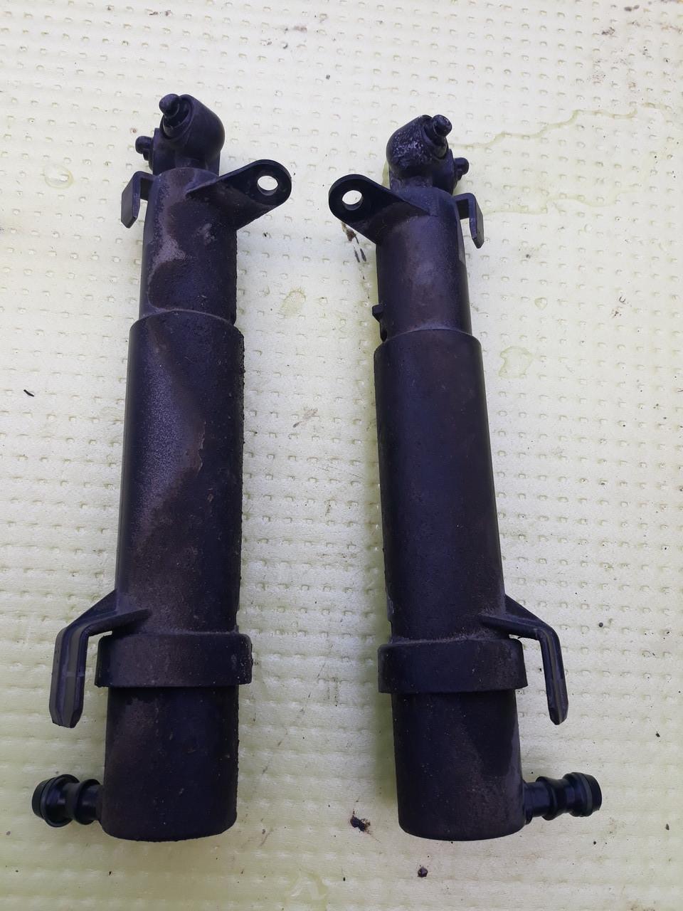 Форсунка омывателя фары передней правой левой MERCEDES W211 2118600647 2118600547