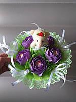 Одноигрушечный букет с мишкой и с Рафаэлло фиолетовый