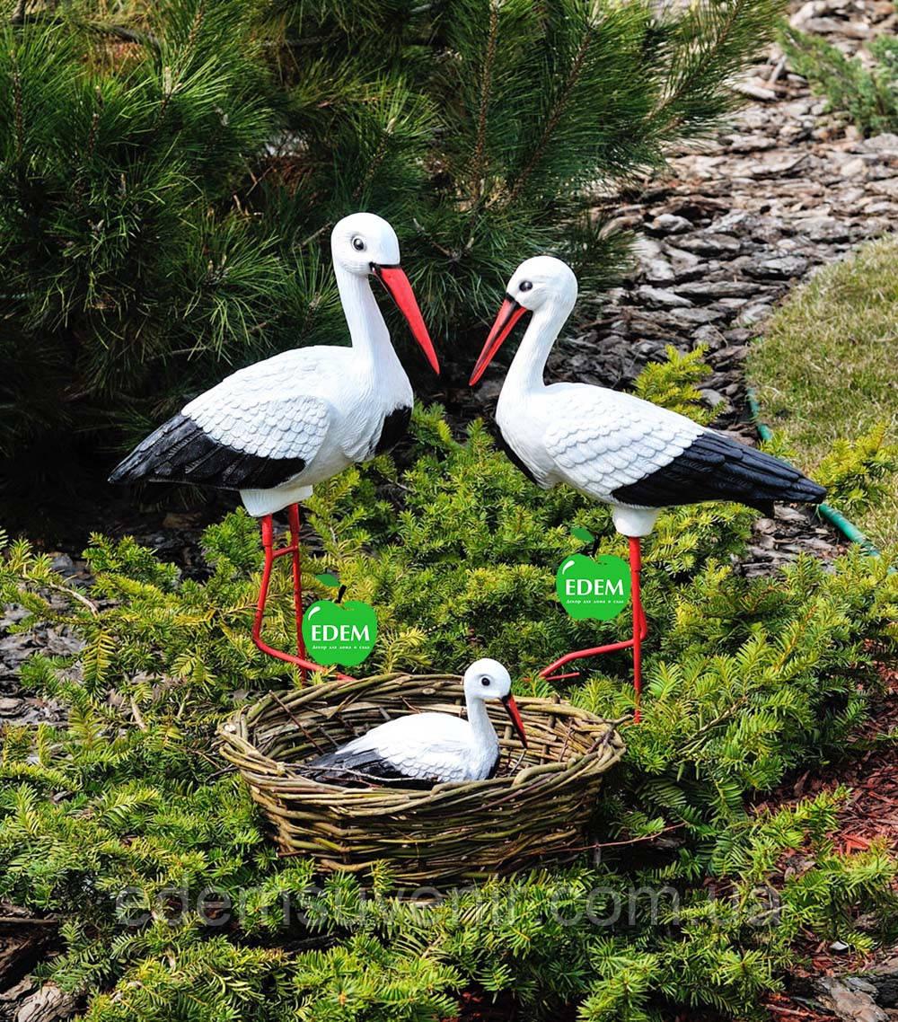 Садовая фигура Семья садовых аистов в гнезде №20