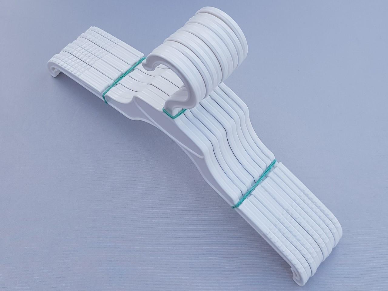 Довжина 33 см. Плічка дитячі пластмасові V-V33 білого кольору, 10 штук в упаковці