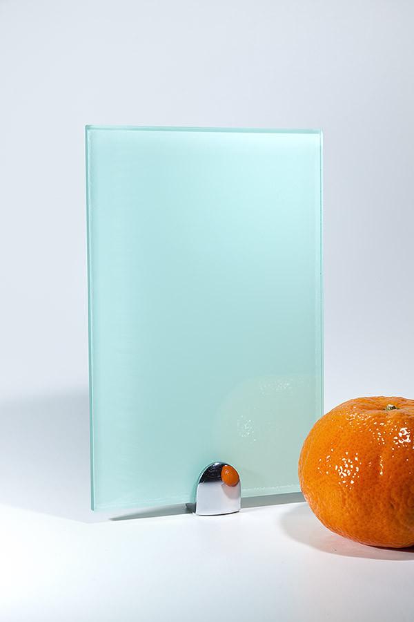 Покраска стекла в однотонный цвет