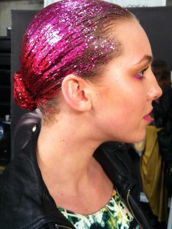 Цветной спрей для волос GLITTER красный, 125 мл