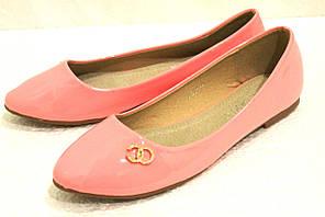 Женские красивые лаковые розовые балетки