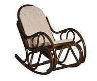Кресло качалка из ротанга с подушкой