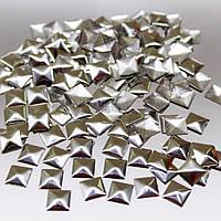 Металостразы квадратные.Цвет Серебро 7х7мм.Цена за 100шт