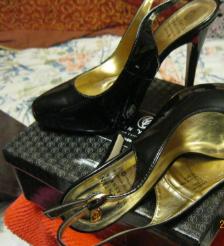 Босоножки туфли от Валентина Юдашкина цвет-черные!36 р лаковые шикарная устойчивая модель