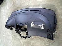Торпеда и бардачок Mitsubishi Grandis 2008