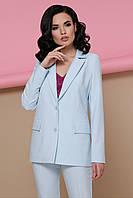 Жіночий піджак світло-блакитного кольору